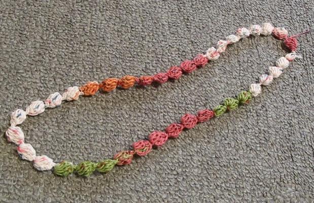 玉編みのネックレス