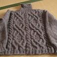 アラン模様のセーター