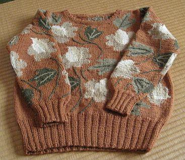 花模様のセーター 4