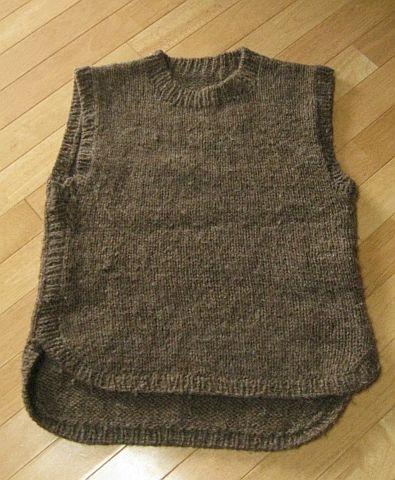 棒針編みのベスト