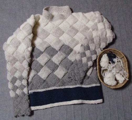 バスケット編みのアームカバーつきセーター