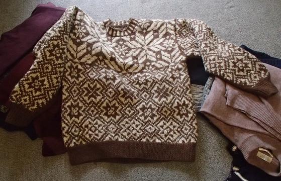 発掘、息子のセーター