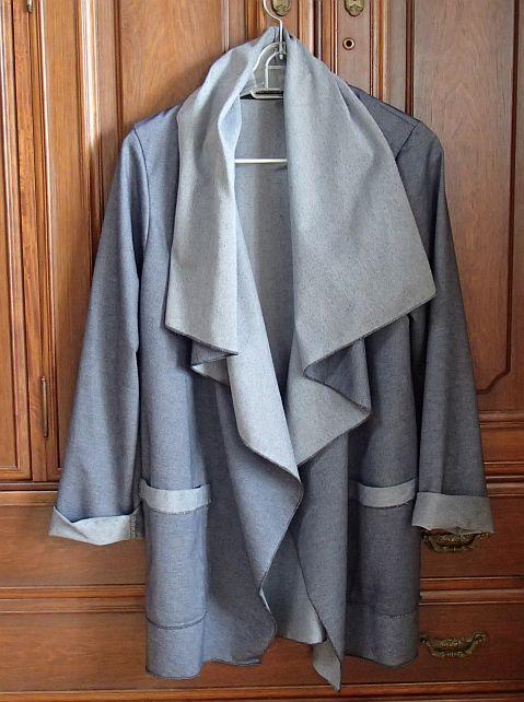 大きな襟の一重のコート(カットソー)